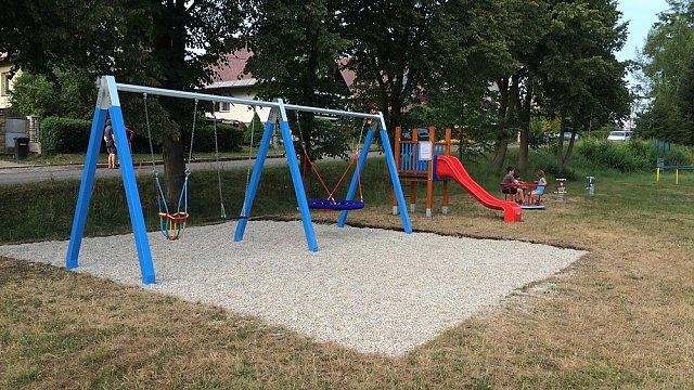 Nové dětské hřiště v naší obci
