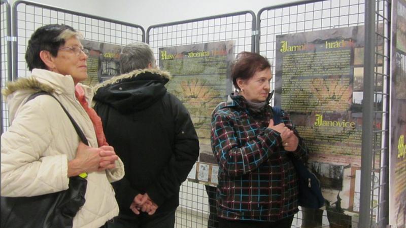 Alena Korčeková - Vernisáž: Šlechtická sídla na Frýdecko-Místecku