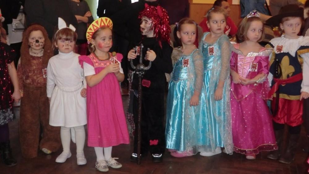LJ - Dětský maškarní ples 2016