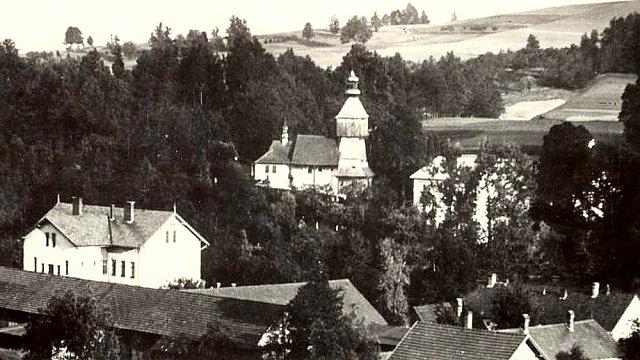 1976 - Dostavba nového kostela