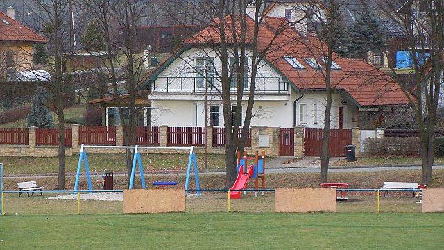 Pořízení herních prvků u fotbalového hřiště